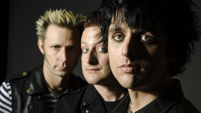 Green Day | Download 2015 | Fake Geeks