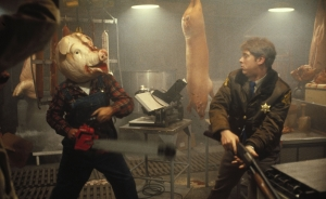motel-hell-pig-fight